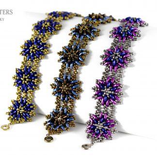 Het gratis rijgpatroon 'Thistle Flower Bracelet' is te vinden bij kralenwinkel Limited Edition in Den Haag.