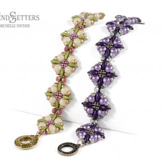 Het gratis rijgpatroon 'Wildflower Bracelet' is te vinden bij kralenwinkel Limited Edition in Den Haag.