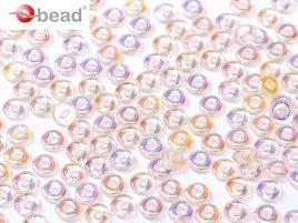 De O bead is leuk te gebruiken in patroontjes tussen andere kralen en is te koop bij kralenwinkel Limited Edition in Den Haag in de kleur 70120-28701.
