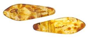De CzechMates Two Hole Daggers glaskraal word veel gebruikt in sieraad patronen en is te koop bij kralenwinkel Limited Edition in Den Haag in de kleur T00030.