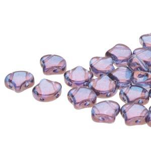 De Ginko glas kraal van Matubo heeft twee gaten en is te koop bij kralenwinkel Limited Edition in Den Haag in de kleur 00030-15726.