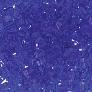 De Miyuki Tila glaskraal heeft twee gaten en is te koop bij kralenwinkel Limited Edition in Den Haag in de kleur 0151.