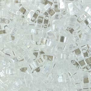 De Miyuki Tila glaskraal heeft twee gaten en is te koop bij kralenwinkel Limited Edition in Den Haag in de kleur 0160.