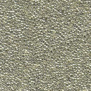 De rocaille seed bead van het Japanse merk Miyuki is te koop bij kralenwinkel Limited Edition in Den Haag in de maat 15-0181.