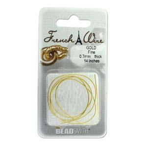 Dit French Wire word vaak gebruikt bij het parelknopen om de draad te beschermen en is te koop bij kralenwinkel Limited Edition in de maat 1.1mm in de kleur goud.