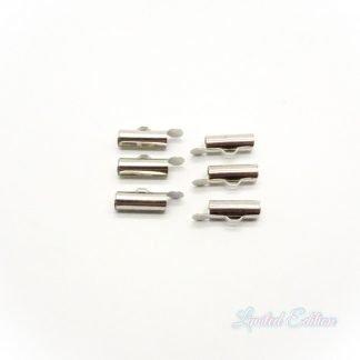 Met deze eindkap buisje is het heel eenvoudig om weef armbandjes af te werken en zijn te koop bij kralenwinkel Limited Edition in Den Haag in de maat 13.5mm antiek zilver.