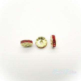 Deze Strass Rondelle zijn te koop bij kralenwinkel Limited Edition in Den Haag in de kleur Light Siam.
