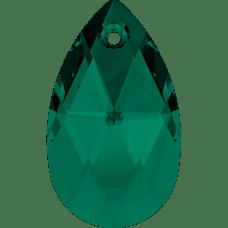 De Swarovski 6106 hanger is te koop bij kralenwinkel Limited Edition in de maat 16mm in de kleur Emerald.