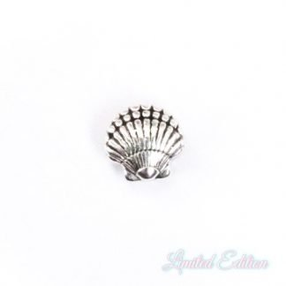 Deze zilveren schelp kraal van DQ kwaliteit is te koop bij kralenwinkel Limited Edition in Den Haag.