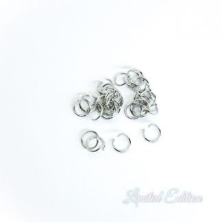 Deze 6x0.7mm open ringen van roestvrijstaal zijn ideaal om sieraden mee af te werken en te koop bij kralenwinkel Limited Edition in Den Haag.