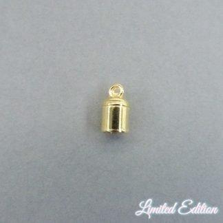 In deze eindkapjes van Designer Quality passen koorden van 5mm dik en zijn te koop bij kralenwinkel Limited Edition in Den Haag in de kleur goud.