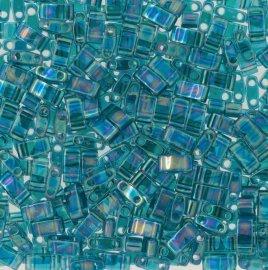 Deze Miyuki Half Tilas zijn de helft van de normale Miyuki TIla beads en zijn te koop bij kralenwinkel Limited Edition in Den Haag in de kleur 2458.