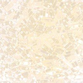 De Quarter Tila van het merk Miyuki is een vierde van de maat van de Tila bead en is te koop bij kralen winkel Limited Edition in Den Haag in de kleur 0512.