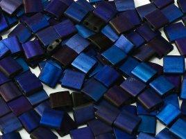 De Miyuki Tila glaskraal heeft twee gaten en is te koop bij kralenwinkel Limited Edition in Den Haag in de kleur 55110.