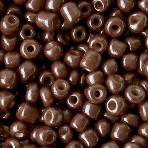 Deze leuke budget rocailles zijn ideaal om hippe sieraden te maken en zijn te koop bij kralenwinkel Limited Edition in Den Haag in de kleur chocolade bruin.