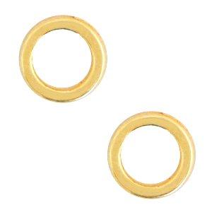 Deze dichte ring van Designer Quality is 6x1.2mm en is te koop bij kralenwinkel Limited Edition in Den Haag in de kleur goud.