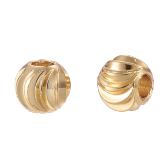 Deze vergulde kralen met groeven zijn te koop bij kralenwinkel Limited Edition in de kleur goud in de maat 5x4mm.