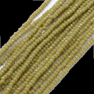 Deze facet geslepen rondelle kralen in de maat 4x3mm zijn te koop per streng bij kralenwinkel Limited Edition in Den Haag in de kleur Olijf groen.