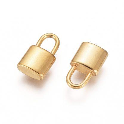 Deze bedel van roestvrijstaal in de vorm van een hangslot is te koop bij kralenwinkel Limited Edition in Den Haag in de kleur goud.