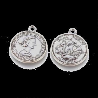 Deze bedel in de vorm van een munt is te koop bij kralenwinkel Limited Edition in de kleur antiek zilver.