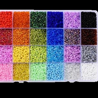 In deze handige kralendoos zitten 24 verschillende kleuren rocailles en is te koop bij kralenwinkel Limited Edition in Den Haag