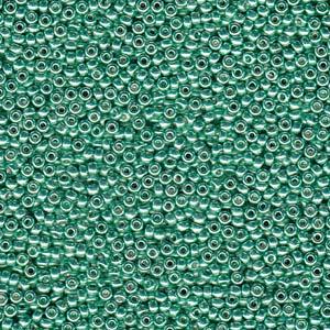 De rocaille seed bead van het Japanse merk Miyuki is te koop bij kralenwinkel Limited Edition in Den Haag in de maat 06-4214.