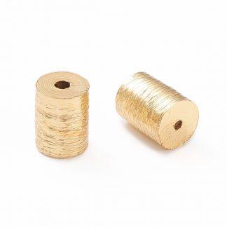 Deze vergulde kralen met groeven zijn te koop bij kralenwinkel Limited Edition in de kleur goud in de maat 7x6mm.