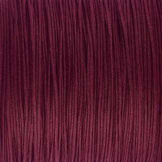 Dit nylonkoord is fijn om mee te werken in de leukste kleuren en is te koop bij kralenwinkel Limited Edition in Den Haag in de maat 0.6mm in de kleur bordeaux rood.