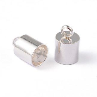 In deze RVS eindkapjes passen koorden van 6mm dik en zijn te koop bij kralenwinkel Limited Edition in Den Haag in de kleur zilver.
