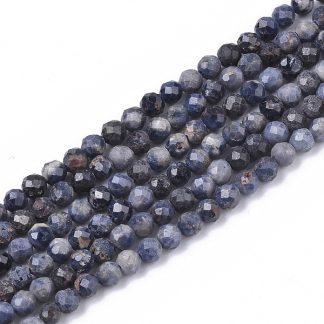 Deze Sapphire kralen van 2mm zijn te koop bij kralenwinkel Limited Edition in Den Haag.