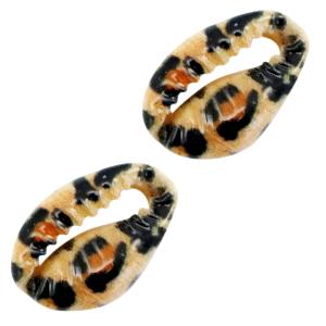 Deze leuke luipaard kauri schelp is te koop bij kralenwinkel Limited Edition in Den Haag.