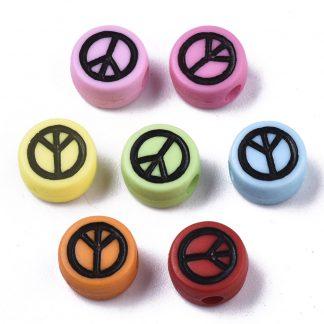 Deze gekleurde acryl letter kralen zijn te koop bij kralenwinkel Limited Edition in Den Haag in de vorm van een peace teken.