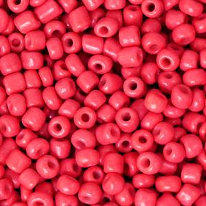 Deze leuke budget rocailles zijn ideaal om hippe sieraden te maken en zijn te koop bij kralenwinkel Limited Edition in Den Haag in de kleur azalea rood.
