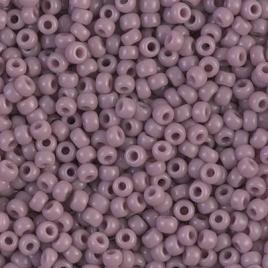 De rocaille seed bead van het Japanse merk Miyuki is te koop bij kralenwinkel Limited Edition in Den Haag in de maat 06-0410.