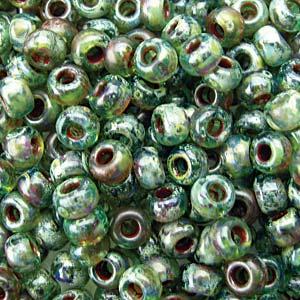 De rocaille seed bead van het Japanse merk Miyuki is te koop bij kralenwinkel Limited Edition in Den Haag in de maat 06-4506.