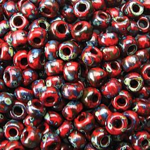 De rocaille seed bead van het Japanse merk Miyuki is te koop bij kralenwinkel Limited Edition in Den Haag in de maat 06-4513.