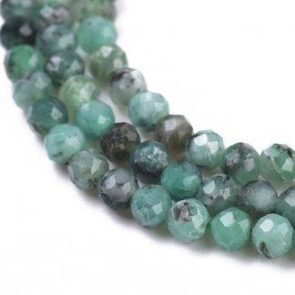 Deze Emerald kralen van 3mm zijn te koop bij kralenwinkel Limited Edition in Den Haag.