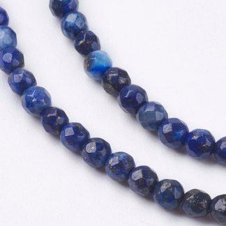 Deze Lapis Lazuli kralen van 3mm zijn te koop bij kralenwinkel Limited Edition in Den Haag.