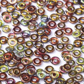 De O bead is leuk te gebruiken in patroontjes tussen andere kralen en is te koop bij kralenwinkel Limited Edition in Den Haag in de kleur 00030-98200.