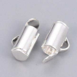 Met deze eindkap buisje is het heel eenvoudig om weef armbandjes af te werken en zijn te koop bij kralenwinkel Limited Edition in Den Haag in de maat 6mm zilver.