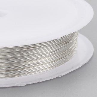 Koperdraad kan goed voor wire winding gebruikt worden en is te koop bij kralenwinkel Limited Edition in Den Haag in de maat 0.6mm in de kleur zilver.
