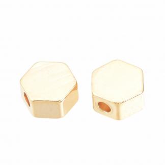 Deze kraal in de vorm van een hexagon is te koop bij kralenwinkel Limited Edition in de kleur goud.