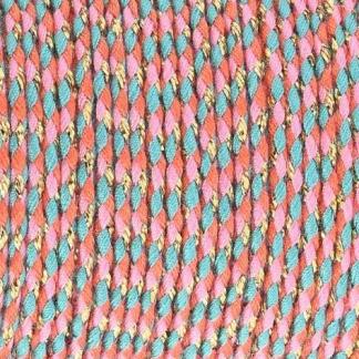 Dit gevlochten katoen koord is te koop bij kralenwinkel Limited Edition in Den Haag in de kleur roze turquoise oranje goud.