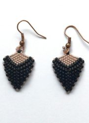 zwart-triangle-earrings-Den-Haag.jpg